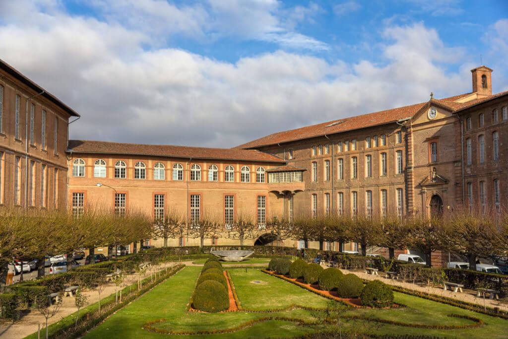 L'hôtel-Dieu Saint-Jacques